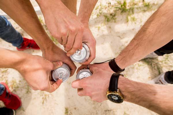 Post Que Tal Beber Sua Cerveja Geladinha e de Quebra com sua Marca?